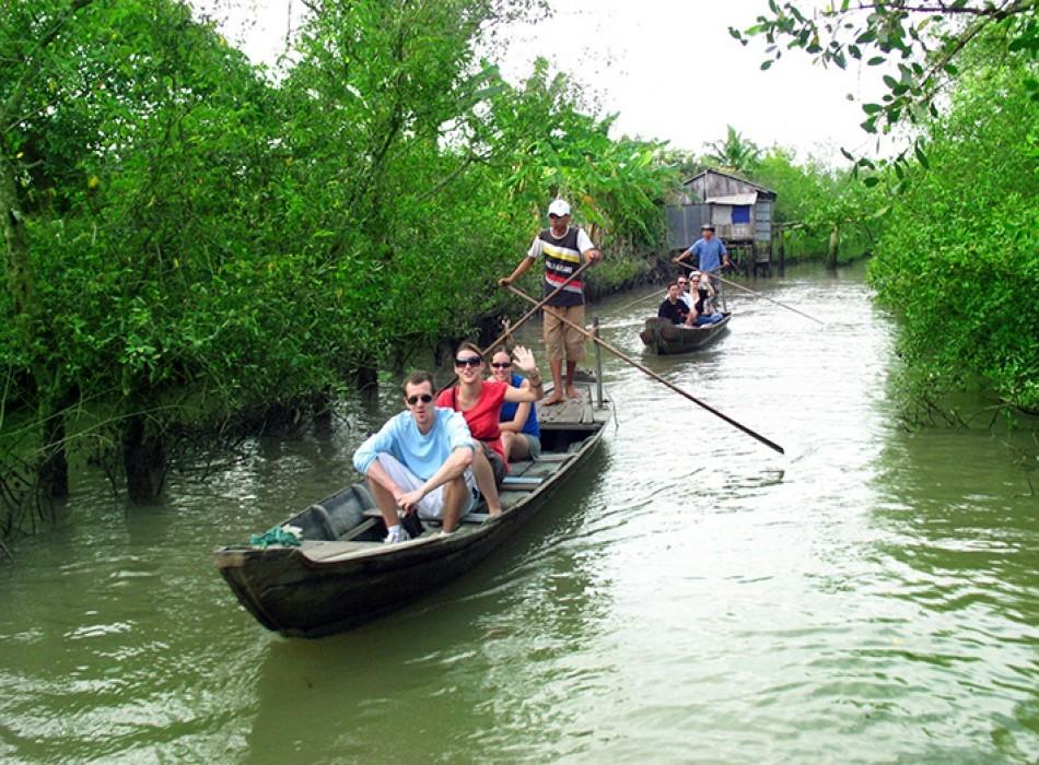 Du thuyền khám phá miền Tây sông nước