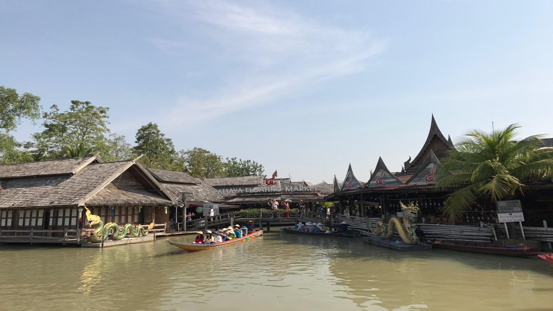 THAILAND - ORDINARY AND SIMPLE BEAUTY OF THE LIFE (BANGKOK - PATTAYA)